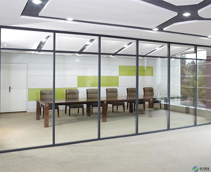 安装不锈钢玻璃隔断选择材料是关键