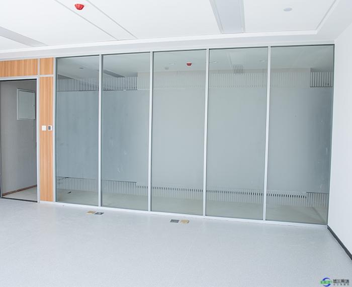 磨砂玻璃高隔断的特点有什么