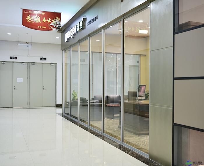 办公室玻璃隔断的样式都有哪些