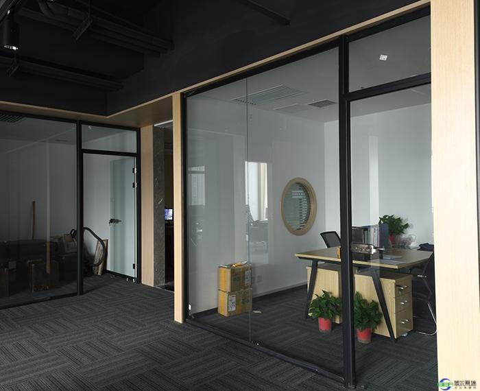 办公玻璃隔断的保养方式都有哪些
