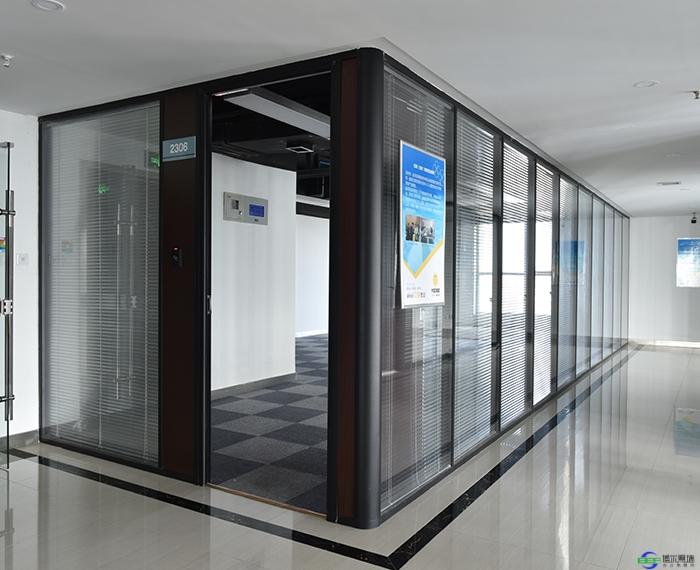 活动玻璃隔断选择哪种好