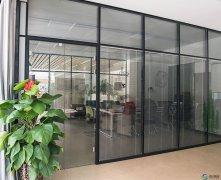办公玻璃隔断不仅仅起分割作用