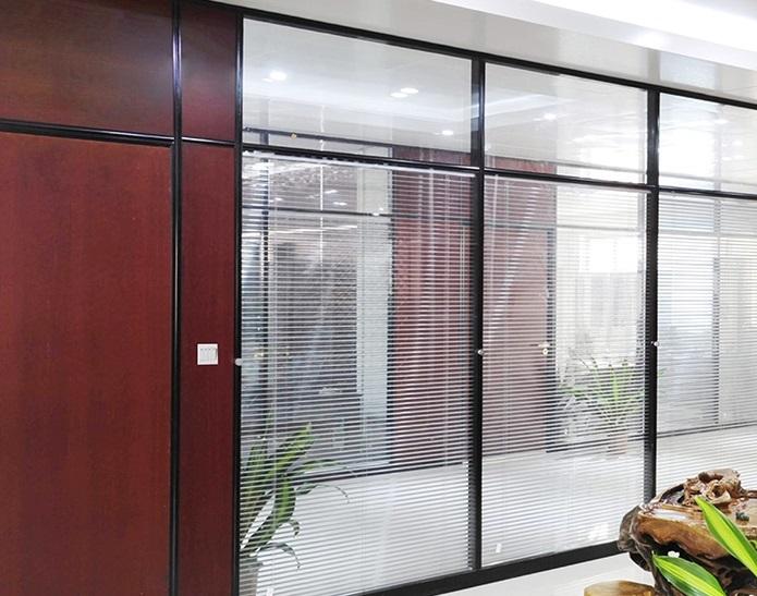 玻璃隔断适合用哪种玻璃施工要点