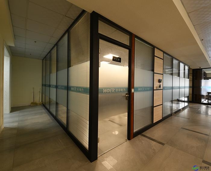 防火玻璃隔断具有的哪种性能