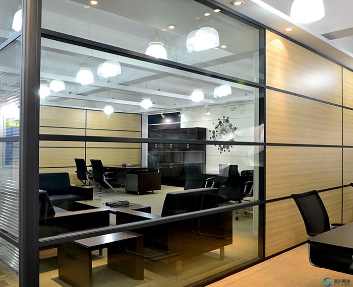 CBD高端商务区办公室装修优选办公高隔间