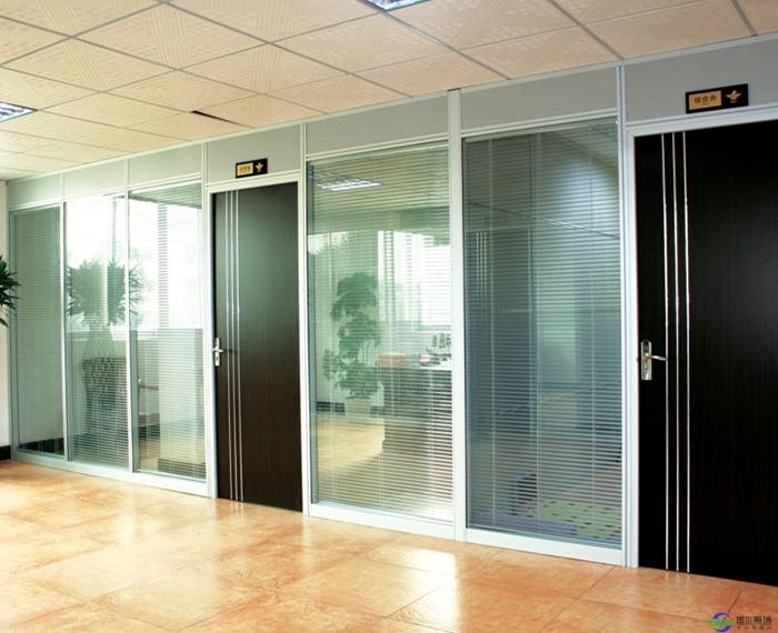 办公室玻璃隔断有几种都有什么作用