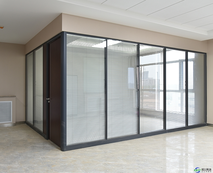 办公室玻璃隔断安装技巧