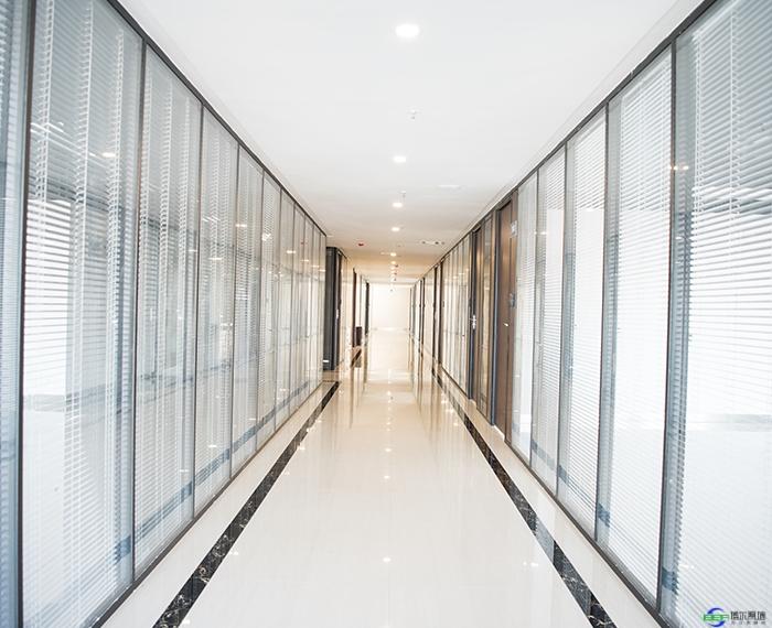 办公室玻璃隔断分哪几种有何作用