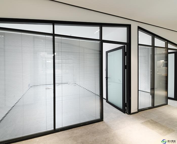 玻璃隔断墙安装的时候需要注意什么