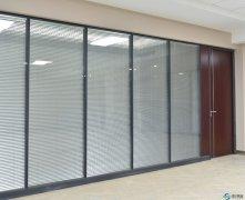 办公室玻璃隔断价格多少一平米